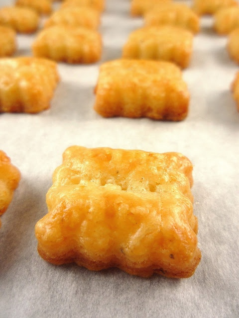 Sharp cheddar cheese crackers. | Bread, Glorious Bread | Pinterest