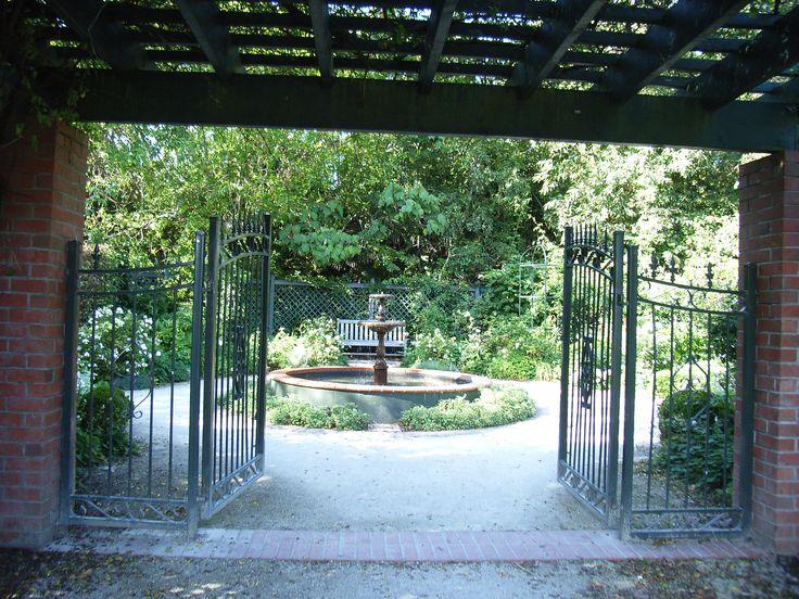 hidden treasure nancy steen garden at parnell rose gardens