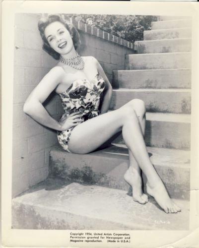 Nancy Sinatra Nude