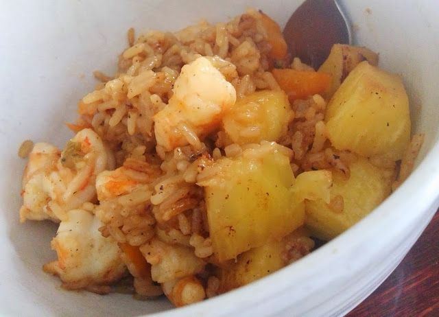 ... Pineapple Shrimp Fried Rice & Lekue Microwave Rice Cooker Product
