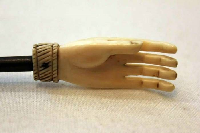 19th century anglo indian carved back scratcher
