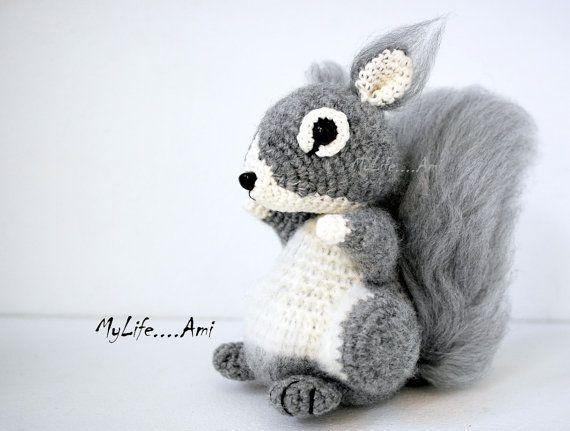 Amigurumi Squirrel Crochet Pattern : Squirrel Sculpture Amigurumi crochet