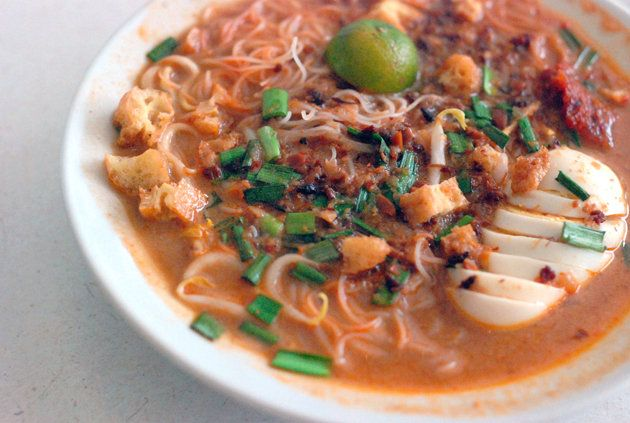 in Singapore. It is a dish of thin rice noodles (vermicelli) in spicy ...