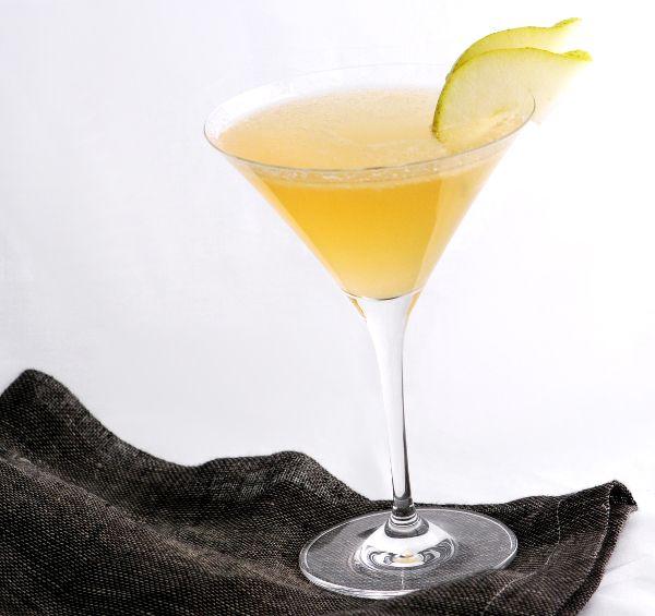 Pear-Sparkler Martini | Drinks! | Pinterest
