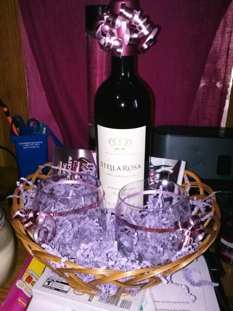 Diy Bridal Shower Gift Basket : Diy wine basket for weddings/ bridal shower/ any gift Its just stella ...