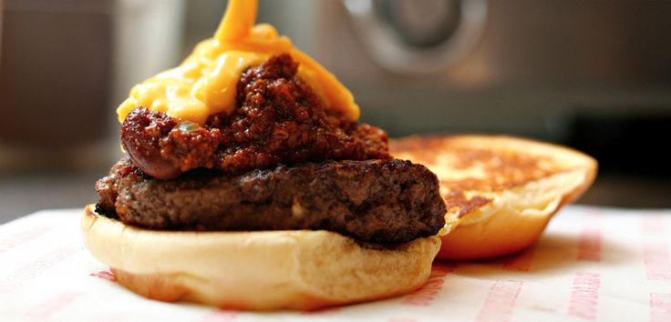 Gojee - Uncle D's Chili and Cheddar Burger by Leite's Culinaria