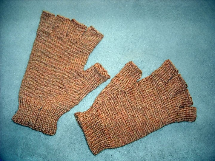 Mens Fingerless Gloves Knitting Pattern Free : mens knitted fingerless gloves made be m.e. Pinterest