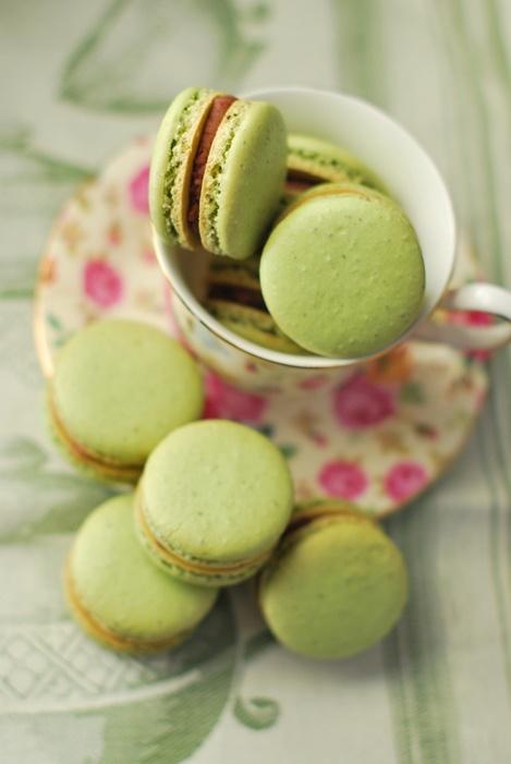 Green tea macarons | Lovely pastries/pretty cakes | Pinterest