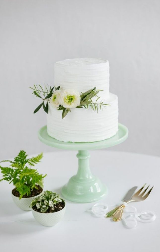 Pin by clancy casey on favorite cakes pinterest for Simple wedding cake flowers