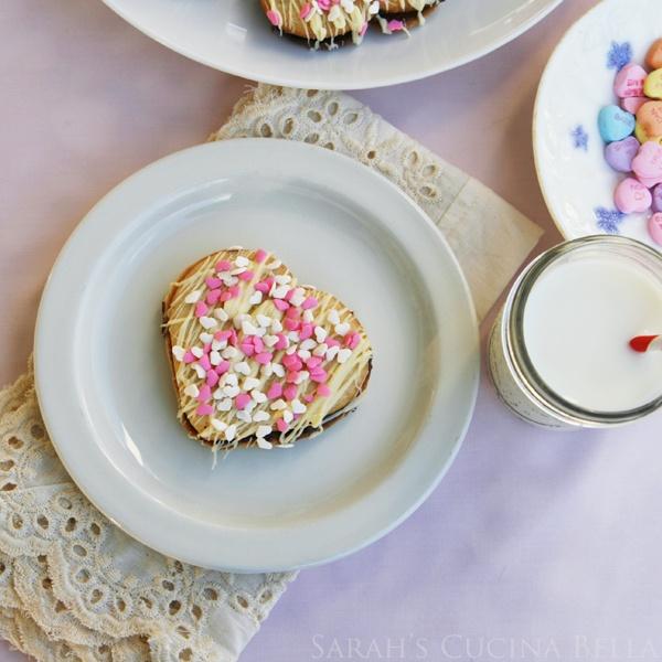 Sarah's Cucina Bella // Double Chocolate Heart Sandwich Cookies