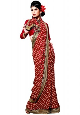 Contemporary yet stylish, this polka dotted saree from the house of Ethnic Closet surely deserves appreciation. White polka dots on a red base with a zardari borders add style and elegance to the saree.