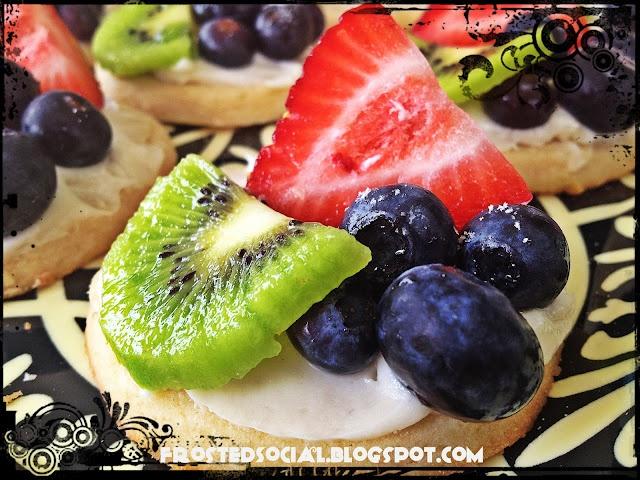 mini fruit pizza | Yum-Yum | Pinterest