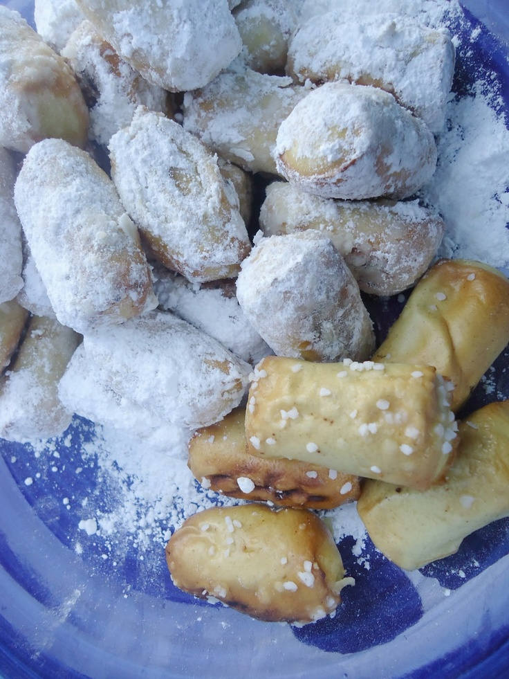Frost Bites- Powdered Sugar Soft Pretzels