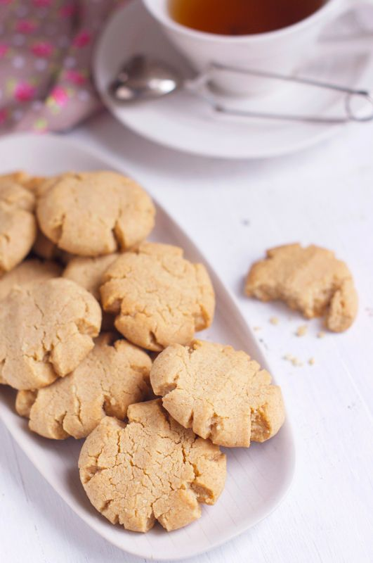 Tahini & Almond Cookies...great way to use up that tub of tahini from ...