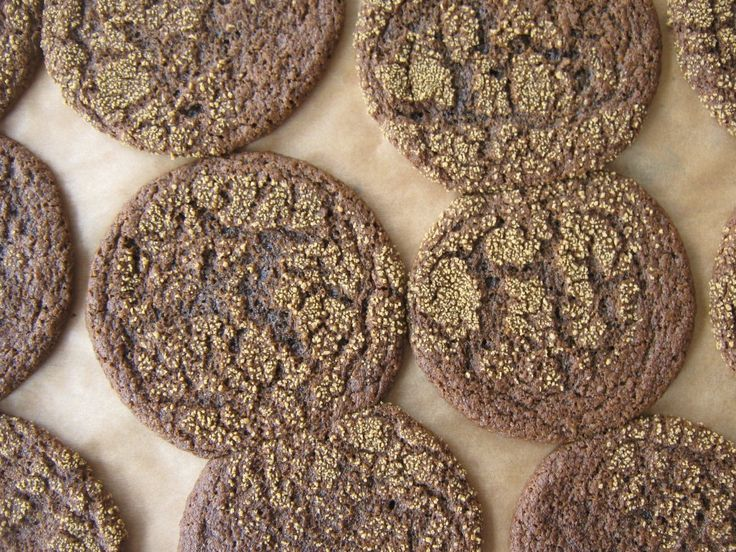Molasses Crinkles -- Made with sprouted wheat flour! (AKA real food)