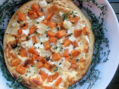 ROASTED SWEET POTATO AND ONIONS PIZZA | recipes | Pinterest