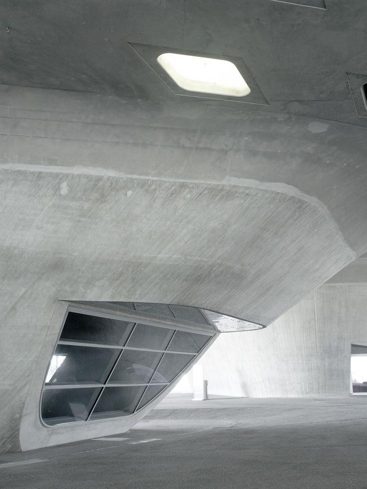 Phaeno Science Centre, Wolfsburg, Germany - Zaha Hadid