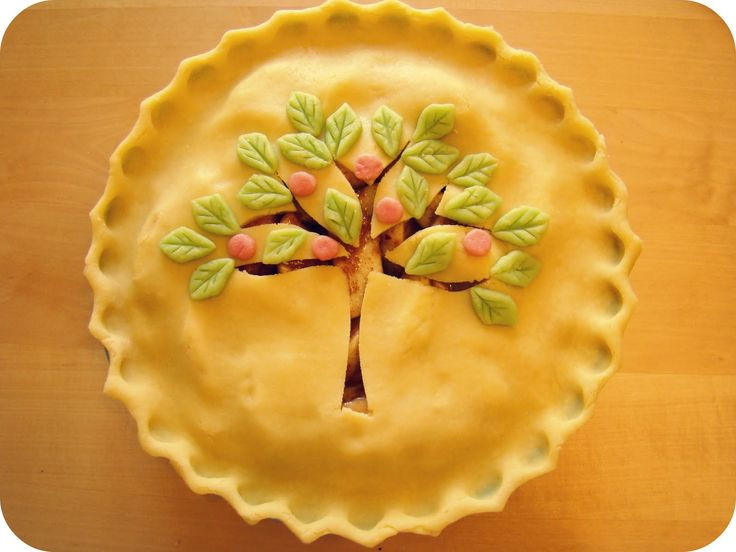 a pretty way to decorate apple pie traditional british