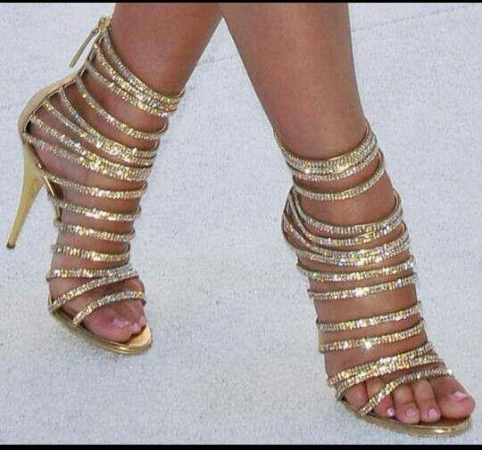 Look like bracelets for your feet :)