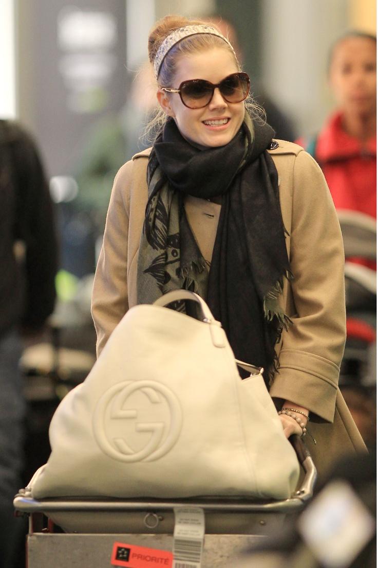Amy Adams carrying the Gucci Soho Bag: www.gucci.com