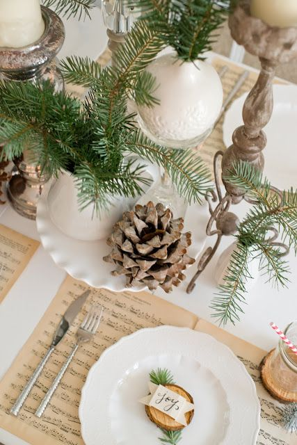 Domestic Fashionista: Natural Christmas Tablescape