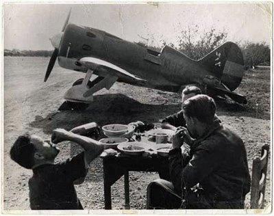 Spanish Civil War ~ David 'Chim' Seymour #Spain #war