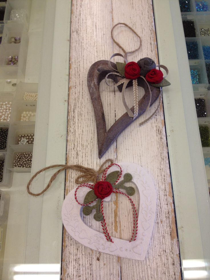 Cuori in legno decorati ? wreath - ghirlande Pinterest