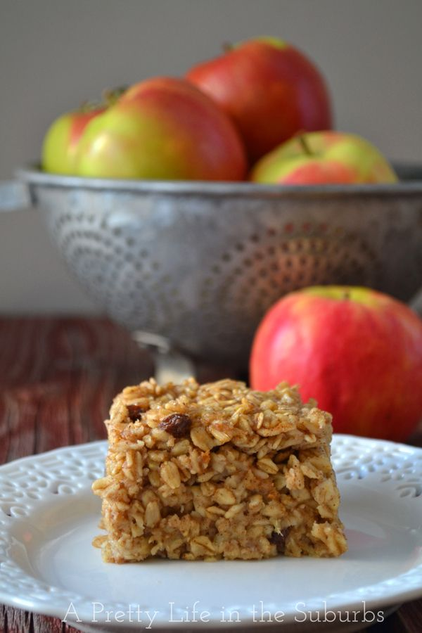 Apple Pie Baked Oatmeal | A Pretty Life