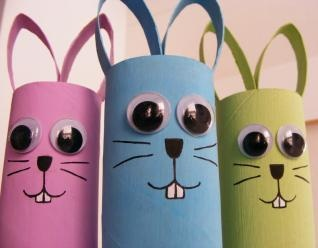 Create cute googly-eyed Easter bunnies with toilet paper rolls (or paper towel rolls cut in half) and Glue Dots! #Eastercrafts #bunnycrafts #kidscrafts #kidsprojects