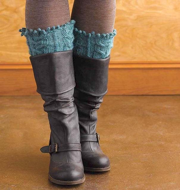 Knitting Patterns For Boot Toppers : Pin by Cherie Ligtenberg Duty on Spin Pinterest