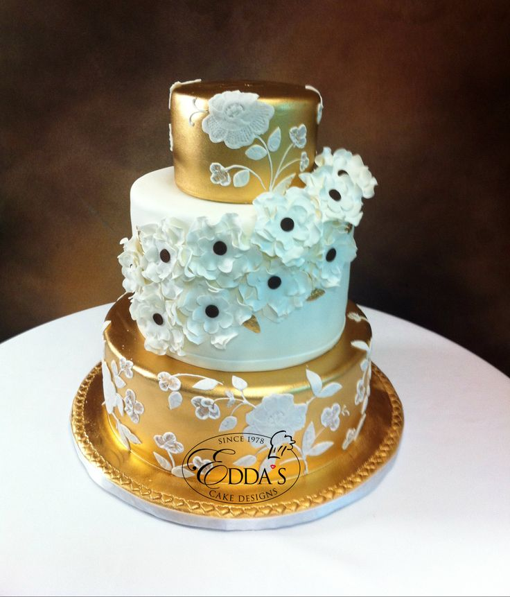 Pin by Edda s Cake Designs on Latest Creations - March ...