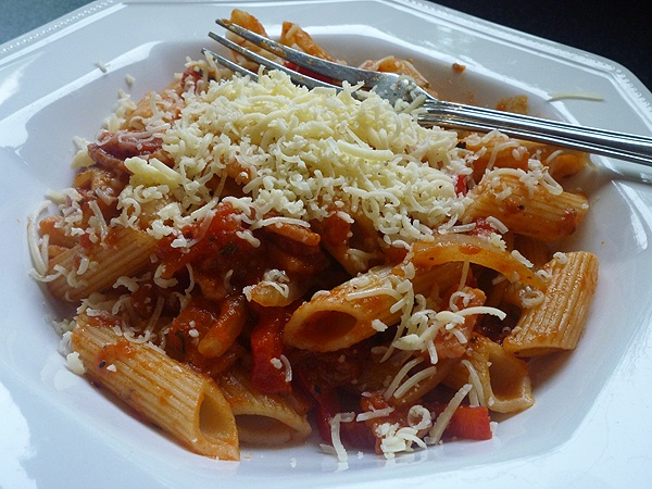 Abbe's Cooking Antics: * Penne with Smokey Bacon and Tomato sauce
