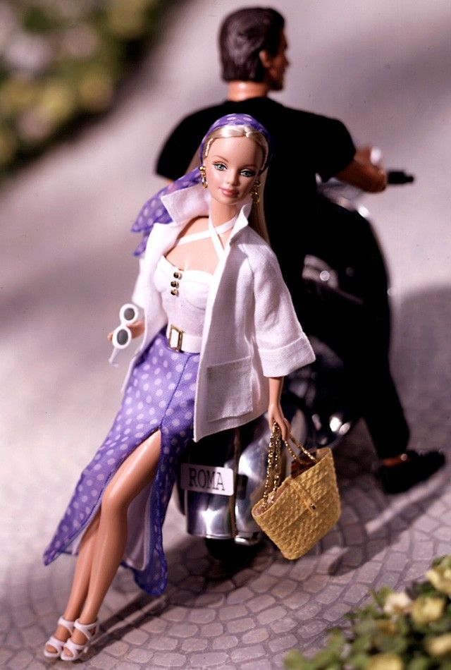 Verão em Roma Barbie Doll - 1999 City Seasons Collection - Barbie Collector