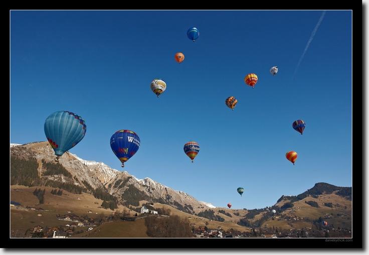 Festival de Balloons Chateau d'Oex, Lake Geneve, Switzerland