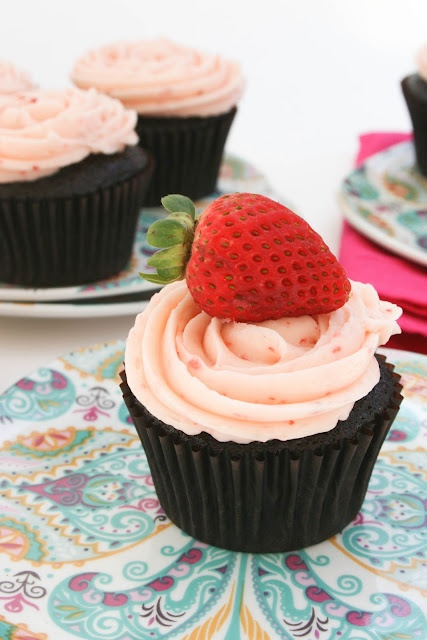 Strawberry Buttercream Icing   Happy Meals   Pinterest
