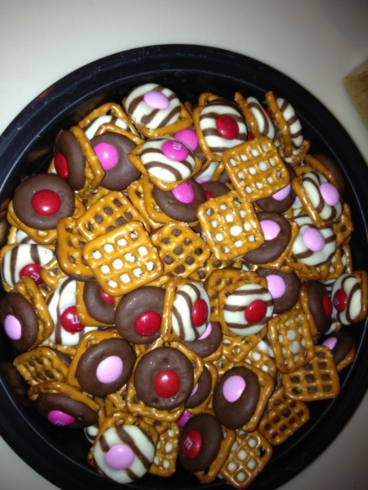 valentine pretzel kiss m&m