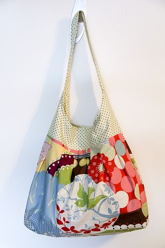 A free tutorial to make this lovely hobo sack or beach bag...