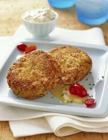 Spicy Crab Cakes with Lemon Aioli Sauce | Cooking | Pinterest
