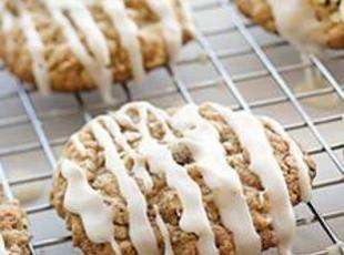 Iced Oatmeal Applesauce Cookies | Cookies | Pinterest