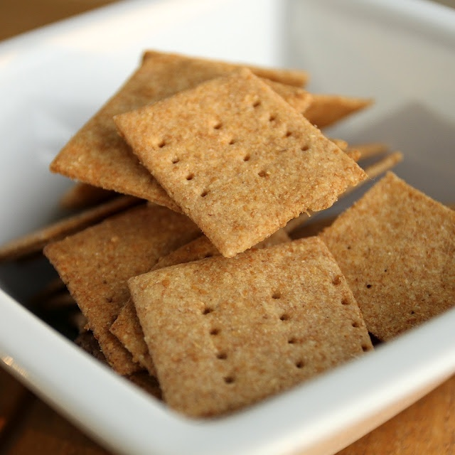 Homemade Wheat Thins | Things I cook & bake | Pinterest
