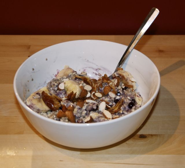 Overnight Blueberry Banana Chia Oats | Breakfast | Pinterest
