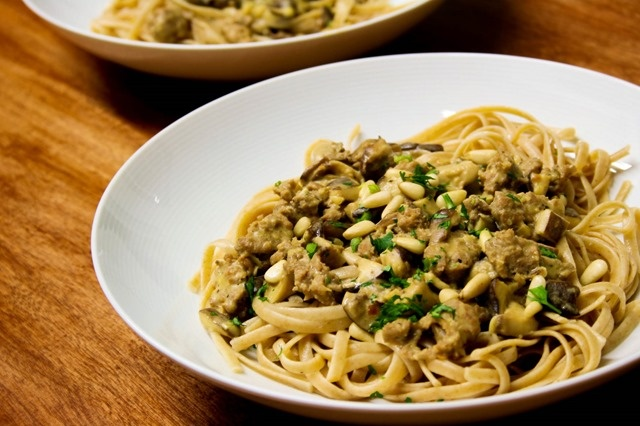 Linguine with White Wine Mushroom Sauce | Food I Want To Eat | Pinter ...