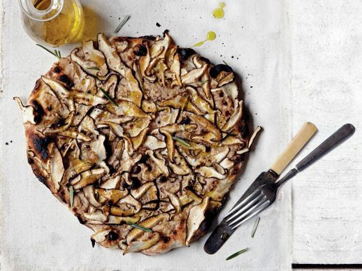 More like this: mushroom pizza , pizza and walnuts .