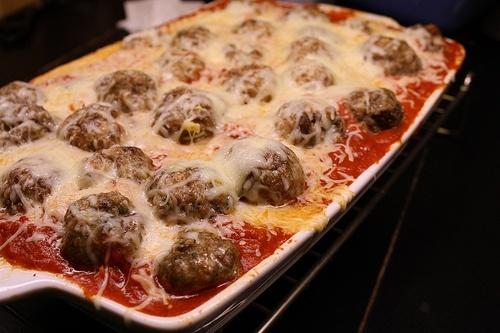 Baked Spaghetti and Meatballs lauratruitt http://media-cache4 ...