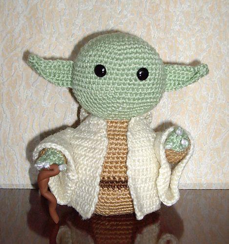 Jedi Master Yoda Amigurumi Pattern : Pin by Gretchen Otero on Star Wars Universe Pinterest