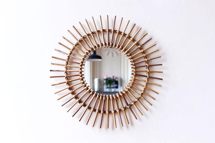 Grand miroir soleil en rotin vintage