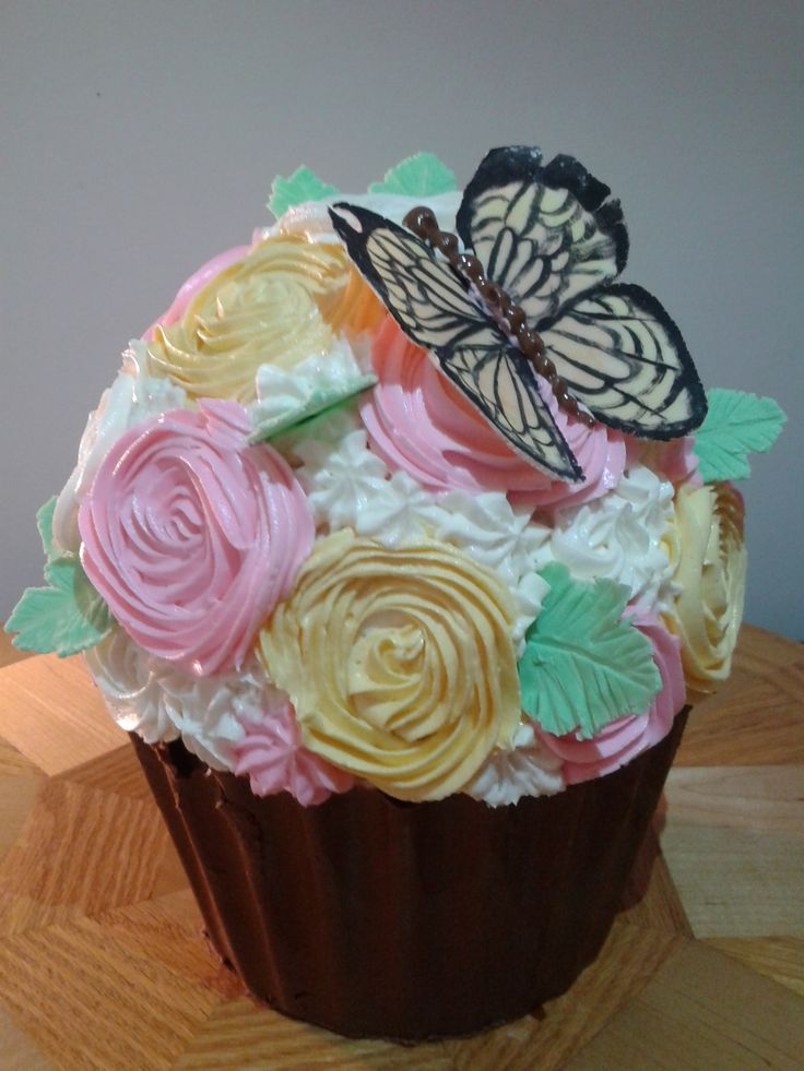 ... Vanilla cake with fresh peach filling and swiss meringue buttercream