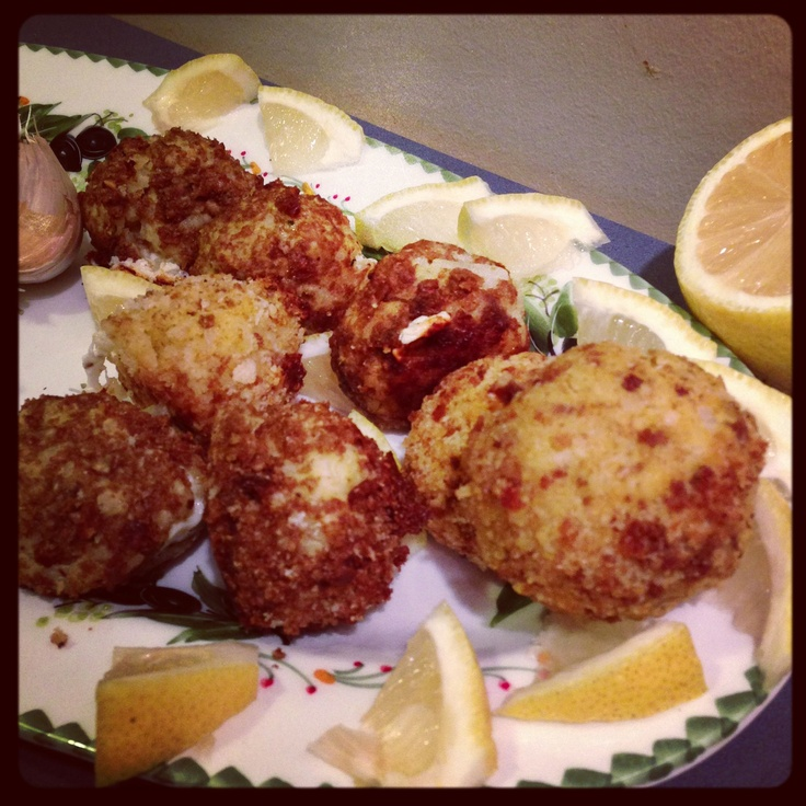 ... is a picture of the Saffron Arancini Risotto Balls that I made! MMM