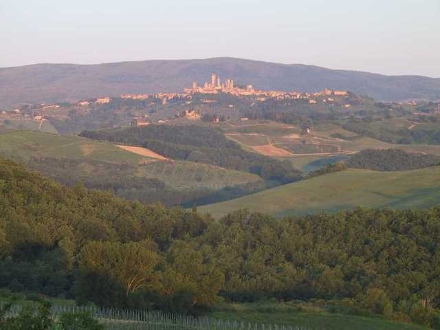 San Gimignano At Sunrise: Taken from Vedi Torre, a beautiful villa outside of Poggibonsi. #travel #italy #tuscany