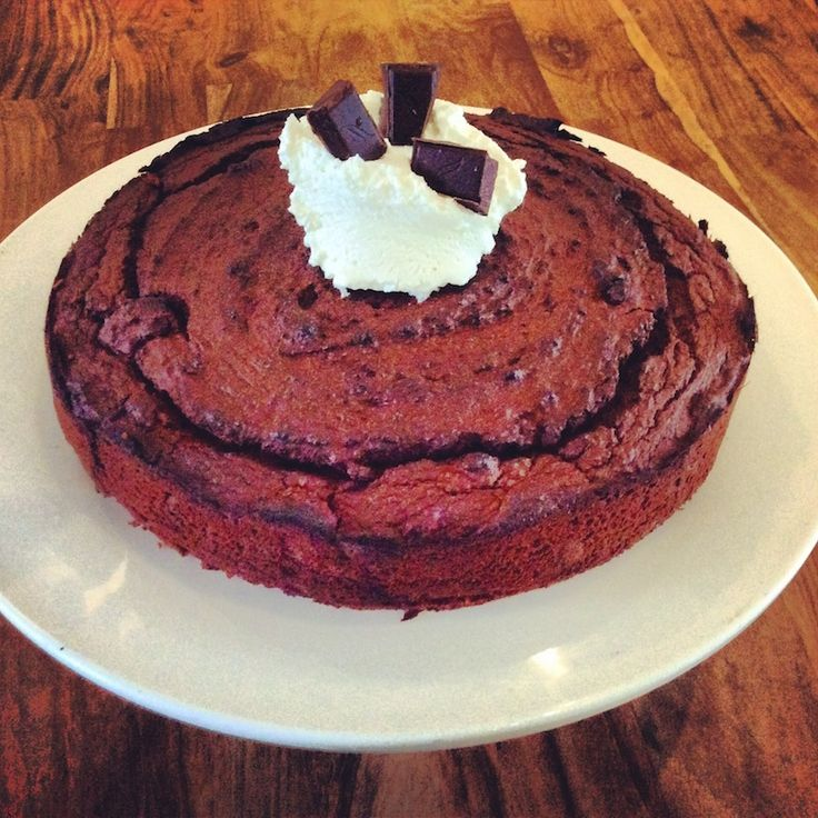 Chickpea chocolate cake, super healthy. Recipe on the SurfGirl website ...